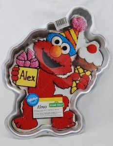 Elmo Cake Decorating Instructions : Elmo Cake Carey & Bell