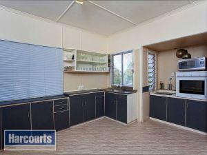 821-QMT120619-Brisbane-North-Alderley